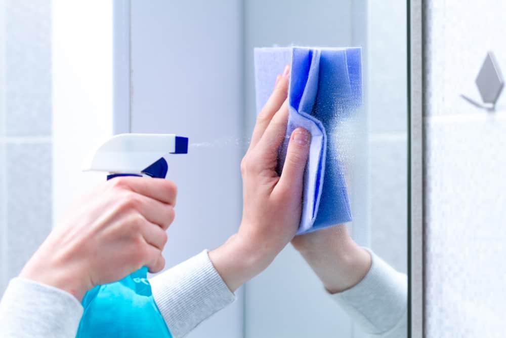 ทำความสะอาด กระจก