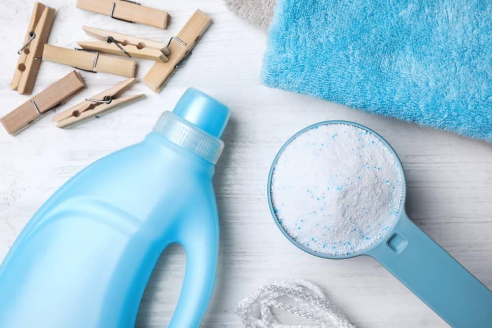 ผงซักผ้า VS น้ำยาซักผ้า